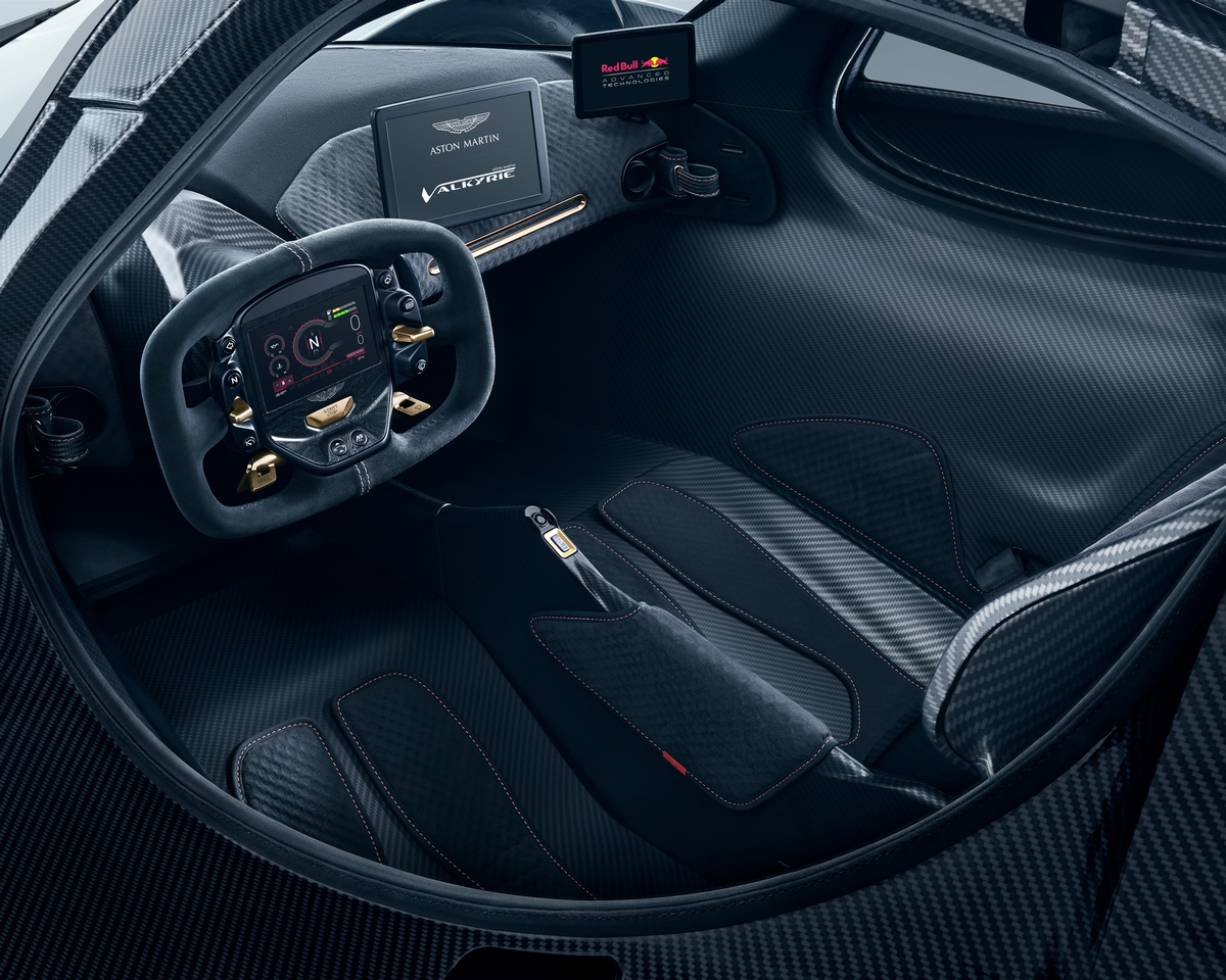 Aston Martin Valkyrie Shows Exterior And Interior. Looks