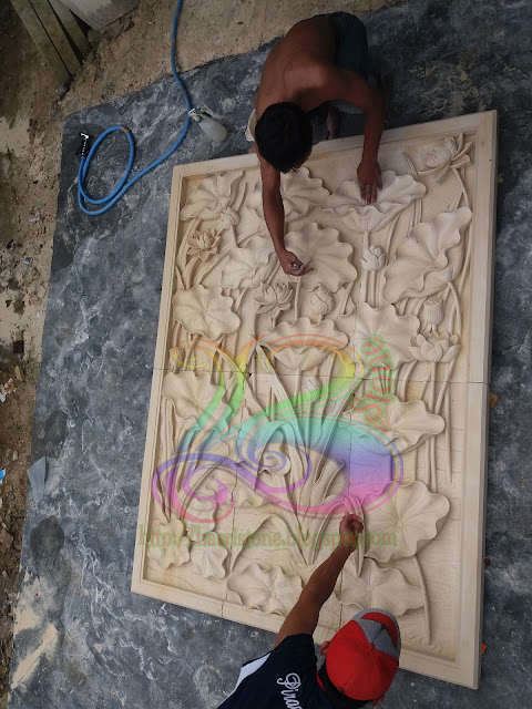 Proses finishing pengerjaan relief batu alam