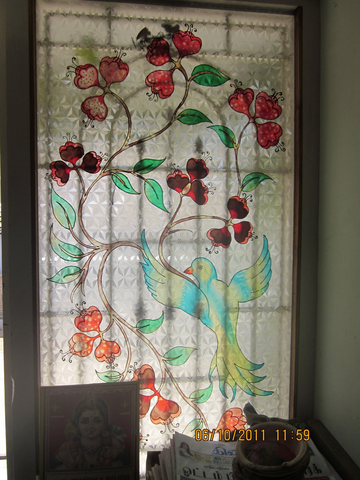 Creative hall solvent glass painting on window for How to do glass painting at home