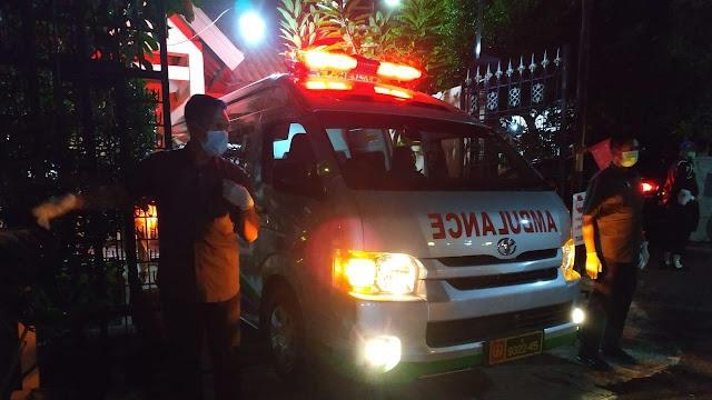 Menteri Kabinet Diminta Tak Melayat Ibunda Jokowi ke Solo.
