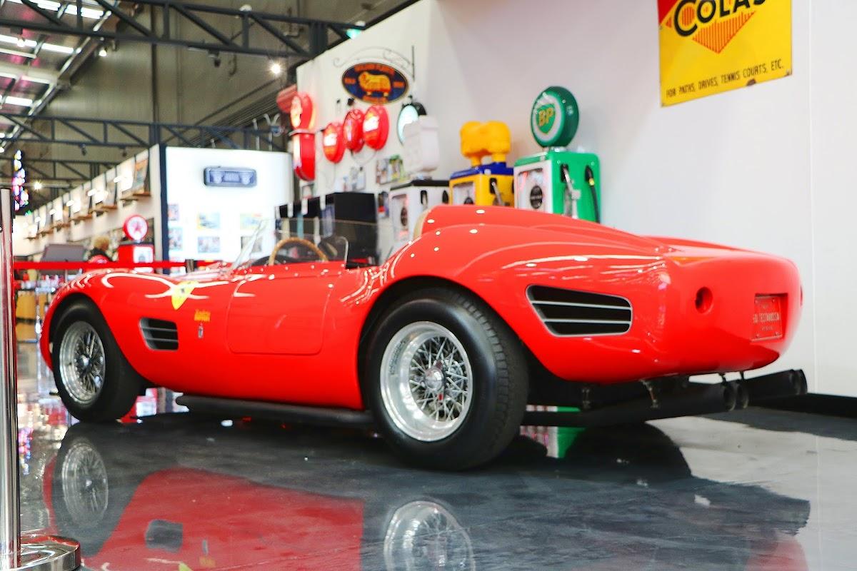 1969 Ferrari 250 Testarossa Replica (06).jpg