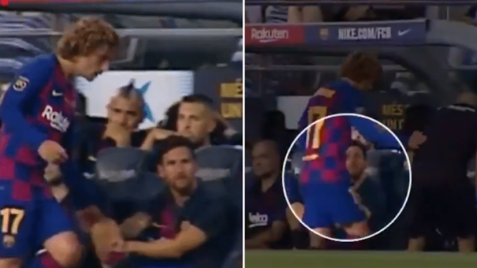 Lionel Messi Appears To Snub Antoine Griezmann's Handshake During Barca Vs Arsenal match