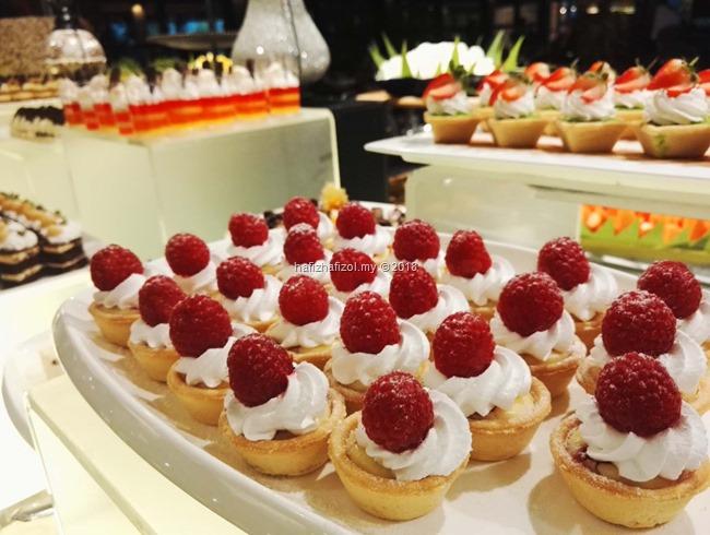 gambar dessert di bufet ramadan 2018 cyberview