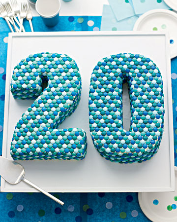 Use the graduating class year for this fun cake.