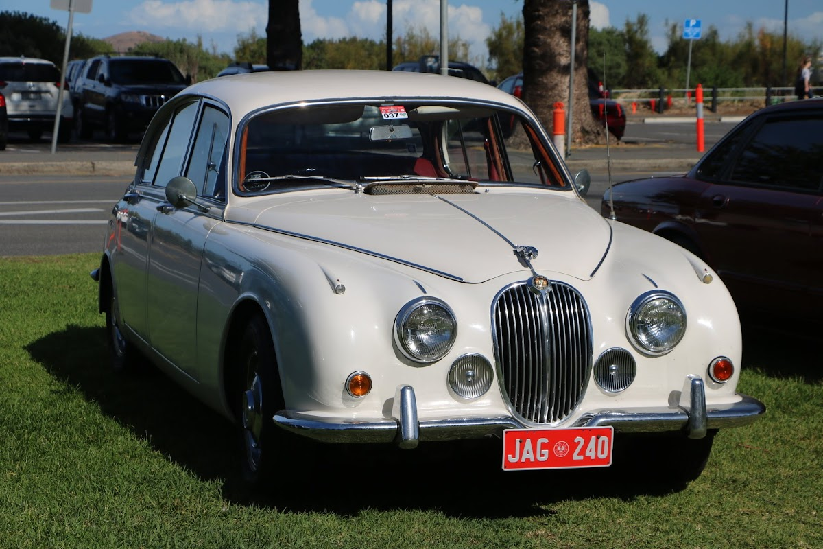 Jaguar Mk2 - British_Classic_Tour_6_May_2018_0193.JPG