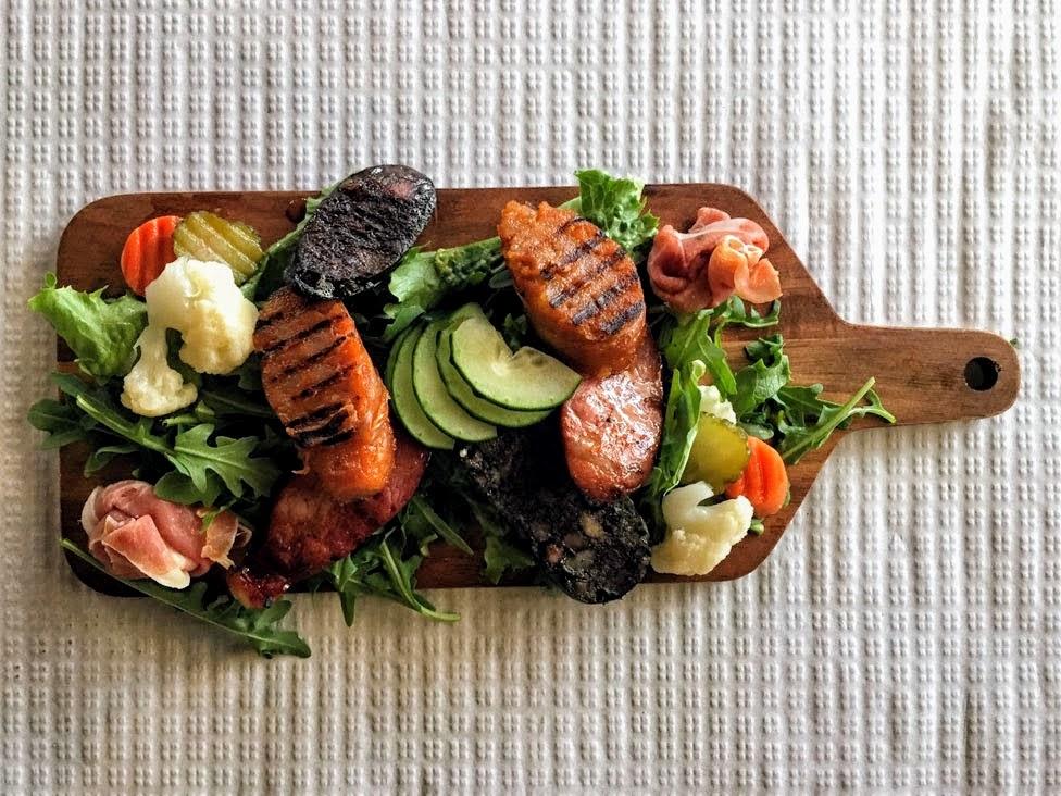 Portugalia, obiad, deska serów i mięs