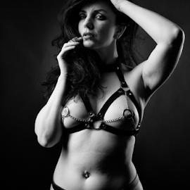 Hot by Reto Heiz - Nudes & Boudoir Artistic Nude ( studio, erotic, sexy, nude, black and white, hot, sensual )