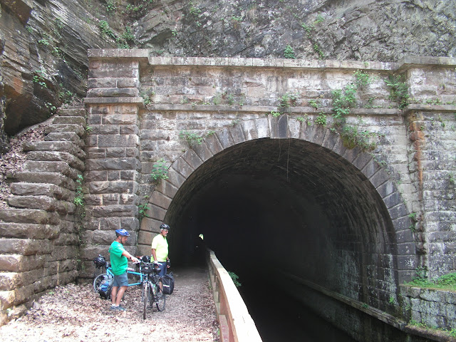 Big tunnel with a small tow path