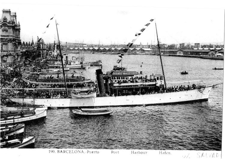 El vapor SALVADOR en Barcelona. Ca. 1933. Foto Museu Maritim de Barcelona. Nuestro agradecimiento.jpg