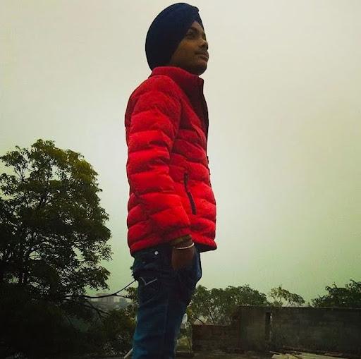 user Deepinder Singh apkdeer profile image