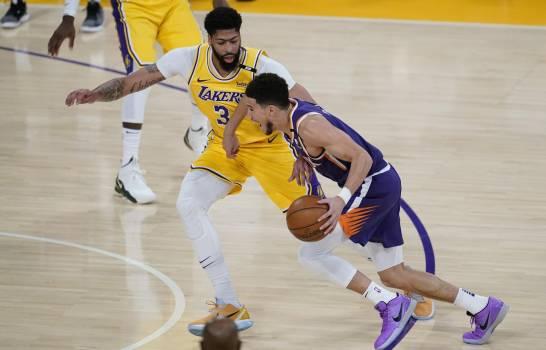 │Vídeo | Booker anota 47, Suns despiden a campeón Lakers en la primera ronda de playoffs