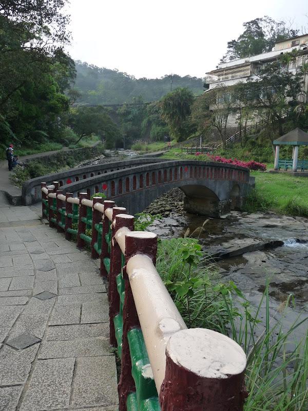 TAIWAN .SHIH FEN, 1 disons 1.30 h de Taipei en train - P1160055.JPG