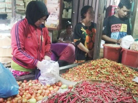 berita foto video sinar ngawi terbaru: Harga cabai meroket hingga 14% saat masuk bulan ramai hajatan