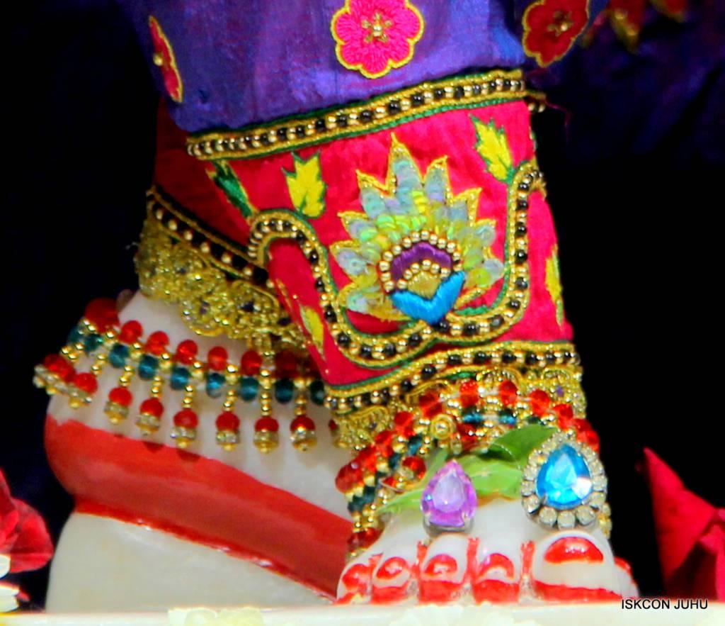 ISKCON Juhu Sringar Deity Darshan 29 Jan 2016 (30)