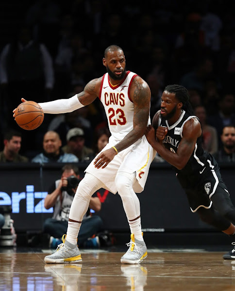 King James Breaks Outs Nike LeBron 15 Grey  Yellow PE