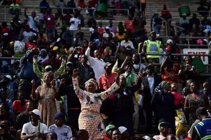 Xenophobic attacks: South Africa's president booed at Mugabe's funeral