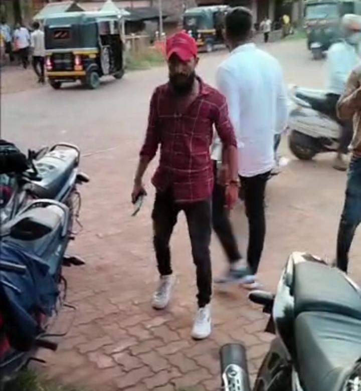 ಮಂಗಳೂರು-ಮಿಥುನ್ ರೈ ಪರ ಪೋಸ್ಟ್ ವಿವಾದ- ಮೂಡುಶೆಡ್ಡೆಯಲ್ಲಿ ತಲವಾರು ಝಳಪಿಸಿದ ತಂಡ- ಮುಂದೇನಾಯಿತು ? ಈ ವಿಡಿಯೋ ನೋಡಿ