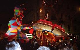 2001.02.24-141.23 défilé aux lumières