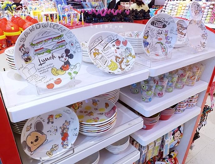4 香港機場 迪士尼奇妙店 買達菲熊免進迪士尼樂園