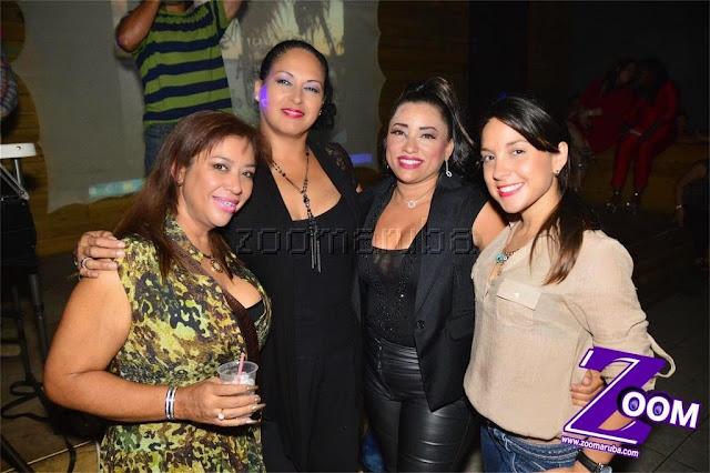 Latina 92.3fm Presenta 2do Festival de Karaoke @ Different Bar 4 April 2015 - Image_41.JPG