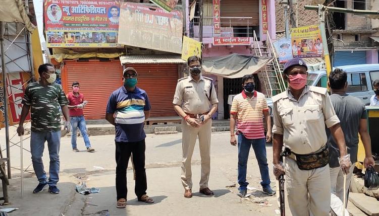 लॉकडाउन: पुलिस की सख्ती का असर, पसरा रहा सन्नाटा, अधिकारियों ने लोगों से घरों में रहने की, की अपील