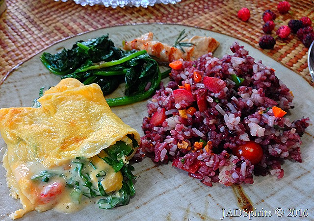 Our healthy and organic breakfast: fried mountain rice, kale omelette, sauteed kale, grilled chicken with rosemary