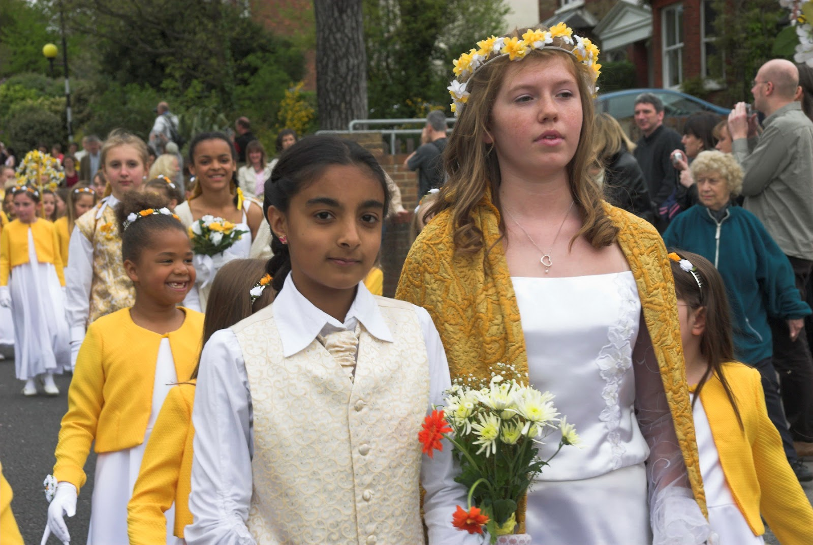 2006 Retiring May Queen, Nicola Gander, and Prince, Mahdiya Zahir, in the procession