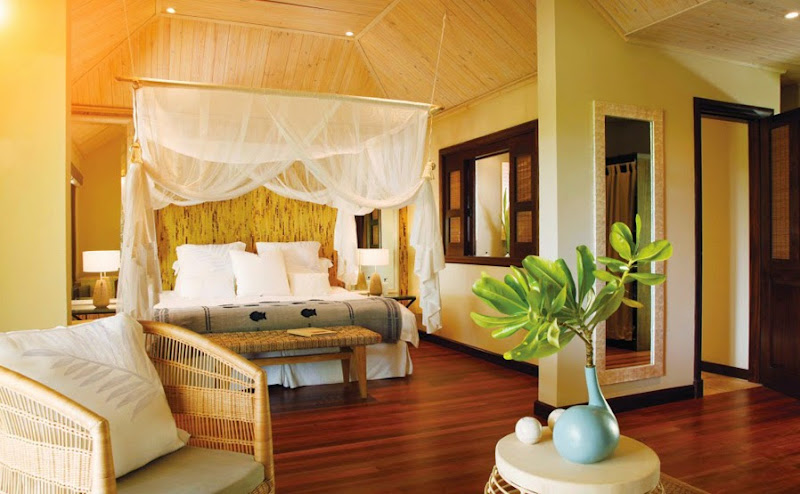 Desroches Island Resort - piclarge352beach%2Bsuite%2Bbedroom%2B%2528MLP%2529.jpg