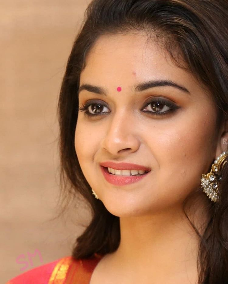 Keerti Suresh as Mahanati Savitri latest photos Navel Queens