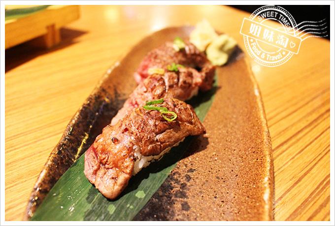 鮨彩壽司-炙燒牛肉壽司180元