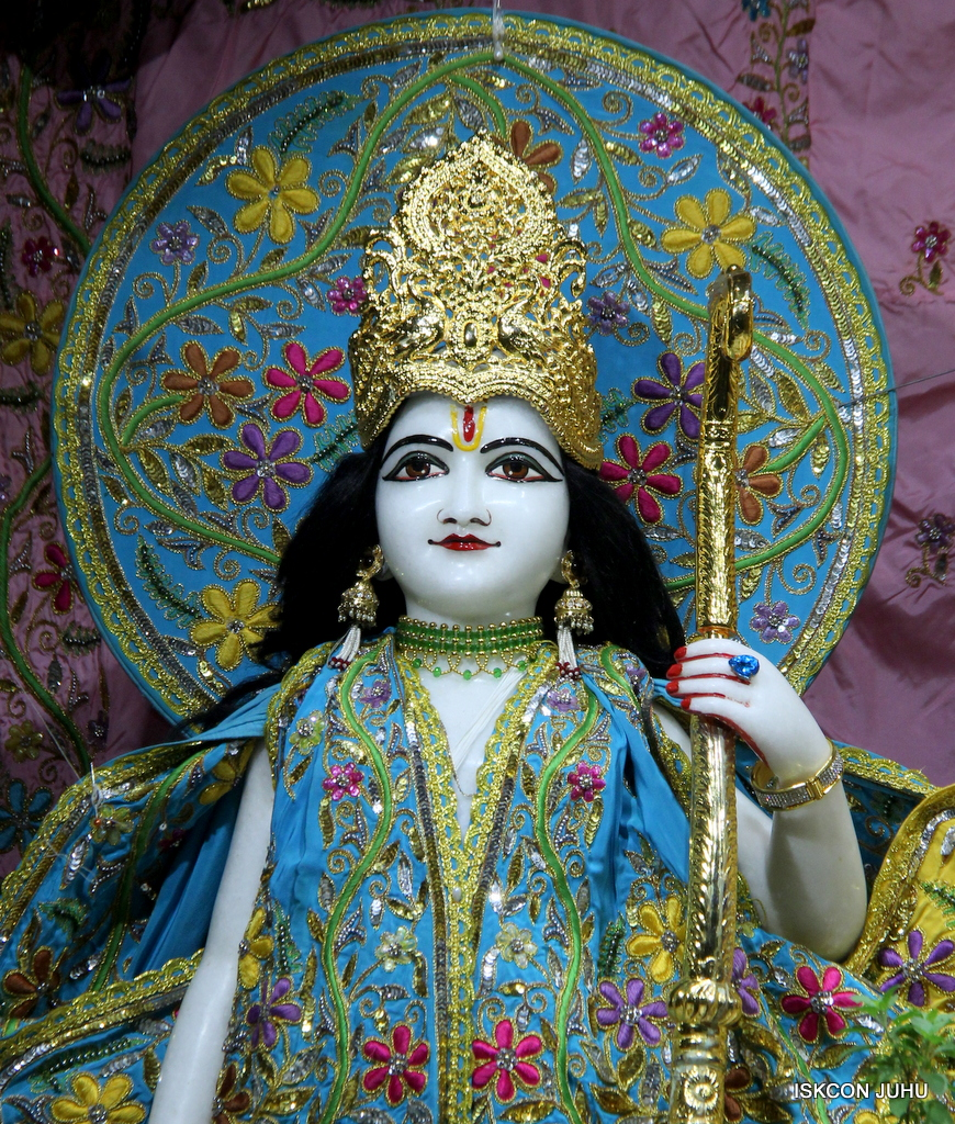 ISKCON Juhu Mangal Deity Darshan on 19th Oct 2016 (10)