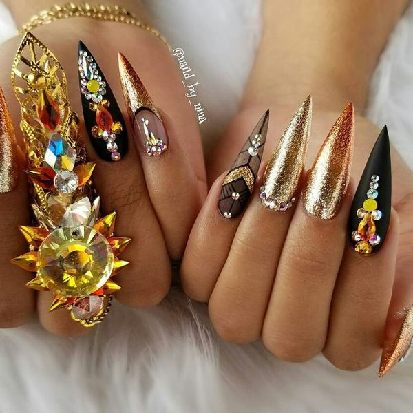 Black and Gold Nail Styles