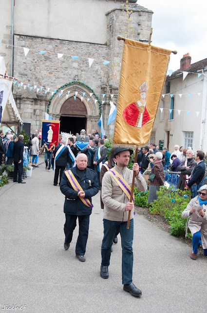 2016-04-24 Ostensions Saint-Victurnien-114.jpg