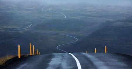 carretera-sin-final-coche-electrico.jpg