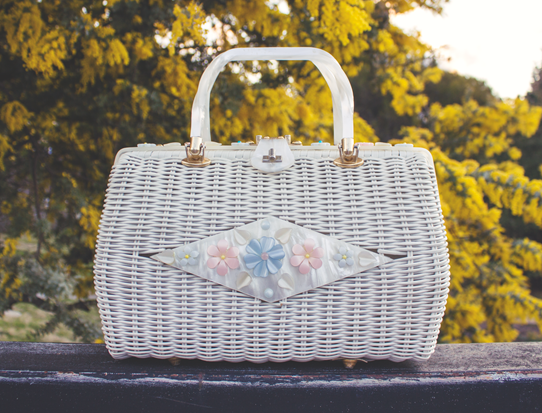 """Lola"" White wicker and Lucite purse ""Tropical"" brand from Florida, USA 