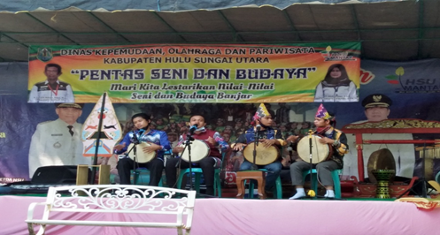 Mahasiswa PAI Sukses Berkolaborasi Menampilkan Madihin Di Wisata Candi Agung Amuntai Melalui Yayasan Sanggar Air