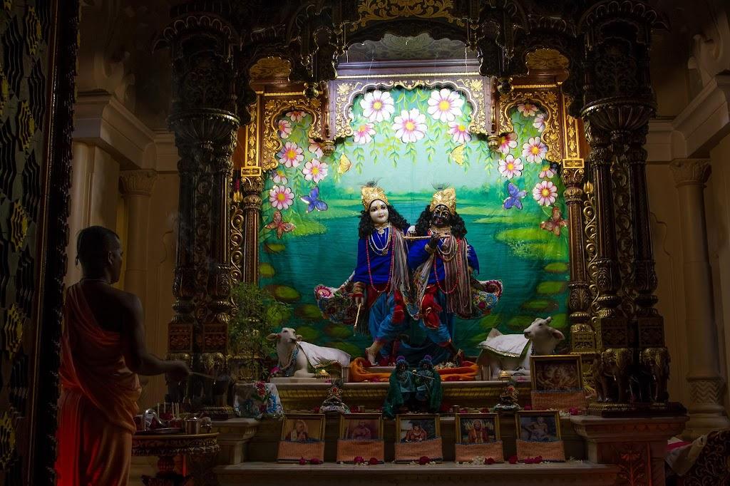 ISKCON Vrindavan Mangla Deity Darshan 26 Jan 2016 (5)