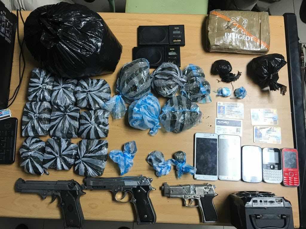 Policía Nacional arrecia la persecución contra el microtráfico; sorprende a un hombre con 10 paquetes de marihuana