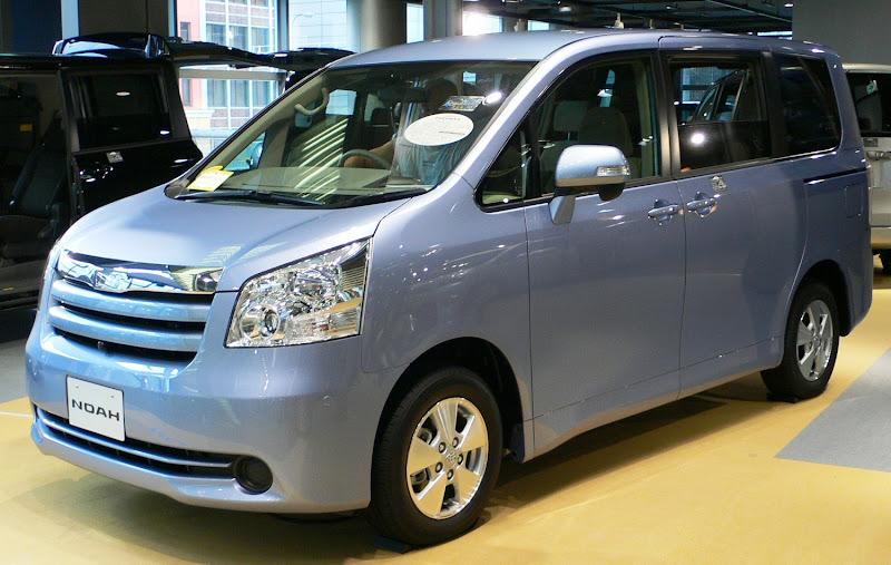 Kumpulan Foto Mobil Toyota Noah Terbaru 2013