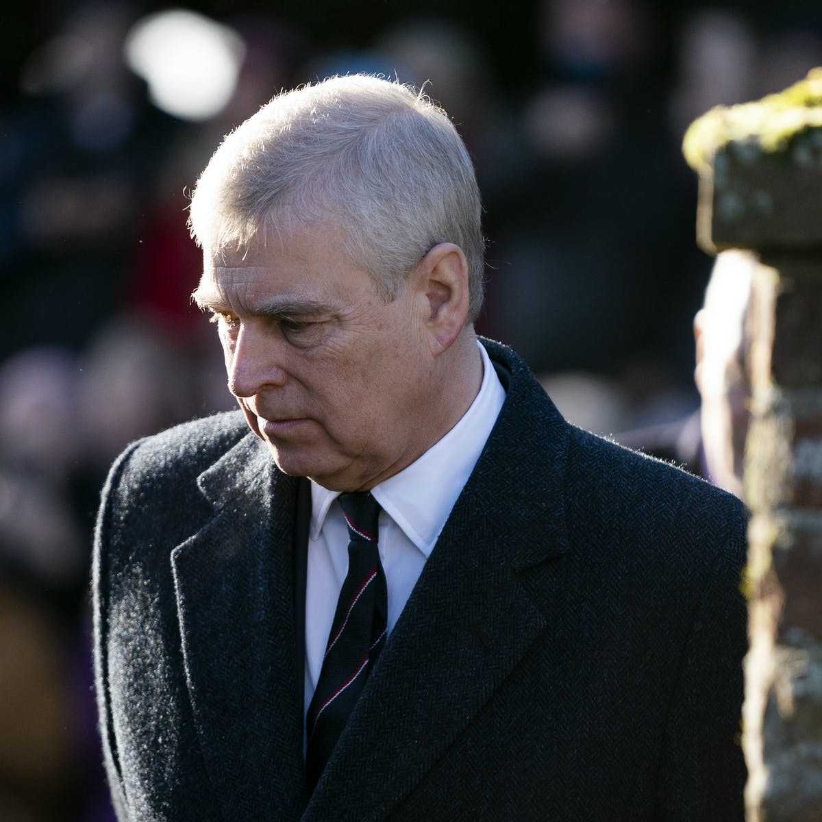 Update: Prince Andrew holds 'crisis talks' with family and advisers over Virginia Roberts's sex abuse lawsuit