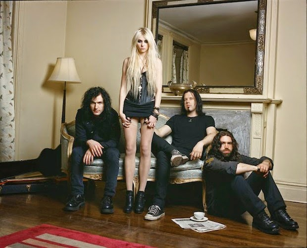 Group photo of the Pretty Reckless with Taylor Momsen
