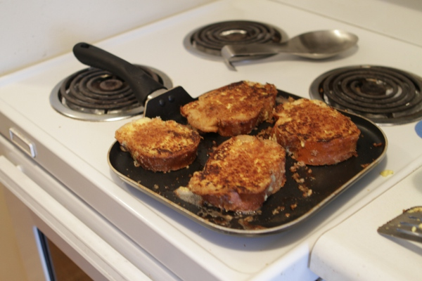 A wide, square, heavy pan with low sides is ideal for french toast.