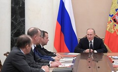 vladimir-putin-security-council-1