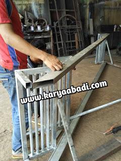 tangga besi memakai besi galvanis