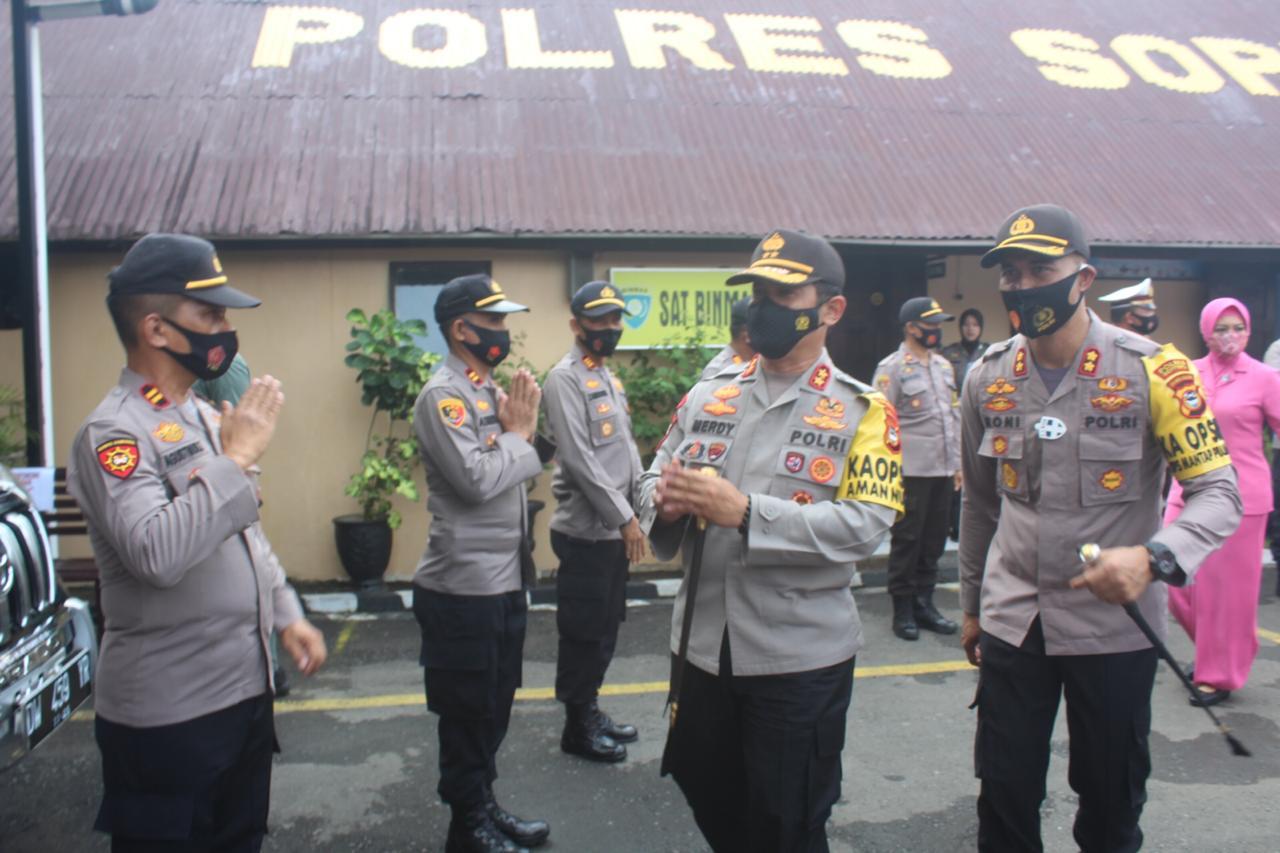 Kapolres Sambut Kedatangan Kapolda  Bersama Ketua Bhayangkari  Daerah Sulsel di Mapolres Soppeng
