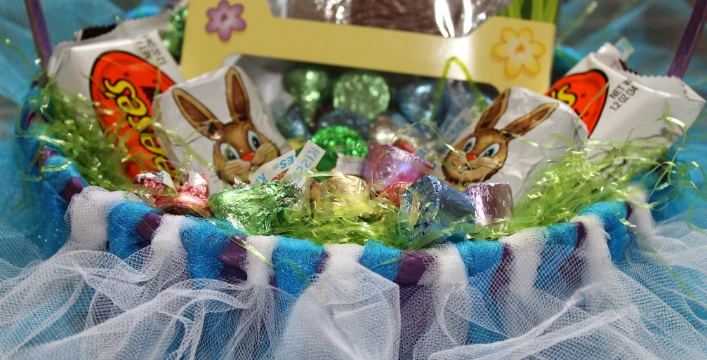 DIY Tutu Easter Basket Filled with HERSHEY'S Treats #BunnyTrail