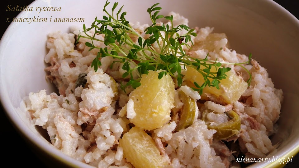 sałatka ryżowa z tuńczykiem i ananasem