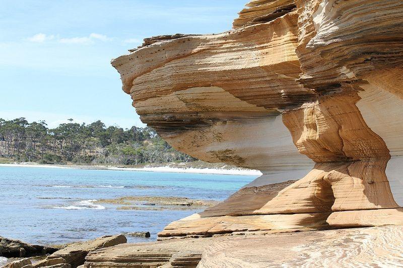 painted-cliffs-maria-island-4