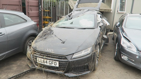 youtuber-comedyshortsgamer-gets-9-stitches-totals-audi-tt_5