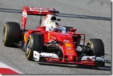 Sebastian Vettel con la Ferrari nei test di Barcellona 2016